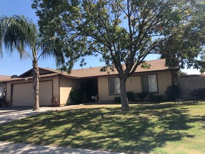 Delano Single Family Home For Sale: 1916 College Drive