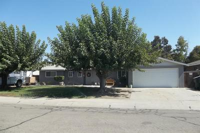 Visalia Single Family Home For Sale: 1114 S Valley Drive