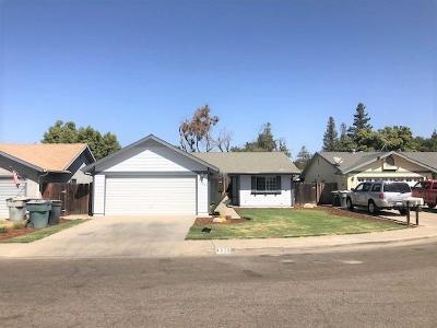 Visalia Single Family Home For Sale: 4526 W Howard Avenue