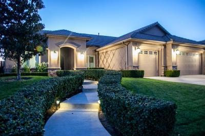 Visalia Single Family Home For Sale: 2809 N Oak Grove Street