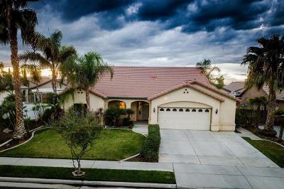 Lemoore Single Family Home For Sale: 703 Crescent Lane