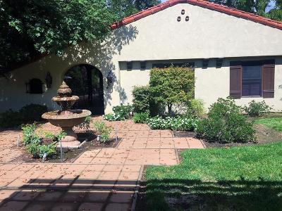 Visalia Single Family Home For Sale: 1848 W Green Acres