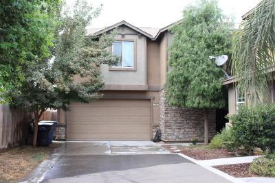 Tulare CA Single Family Home For Sale: $240,000