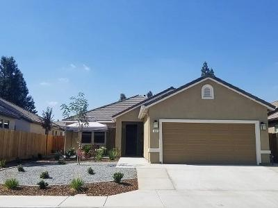 Visalia Single Family Home For Sale: 321 S Wind Court
