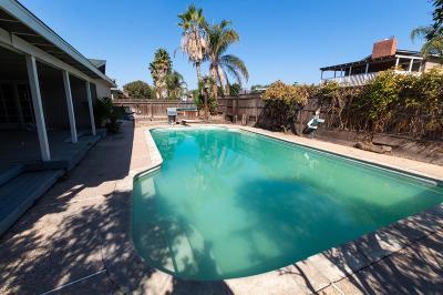 Lemoore Single Family Home For Sale: 84 S Byron Drive