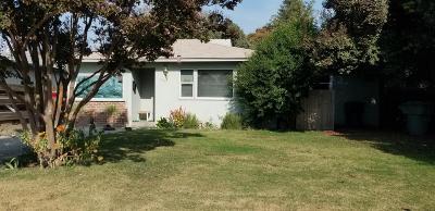 Visalia Single Family Home For Sale: 1004 E Cypress Avenue
