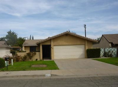 Porterville Single Family Home For Sale: 612 Village Green Street