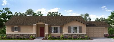Visalia Single Family Home For Sale: 838 W Perez Ave.