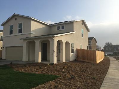 Visalia Single Family Home For Sale: 3717 E Campus Court