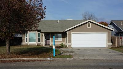 Tulare Single Family Home For Sale: 1994 W Pleasant Avenue