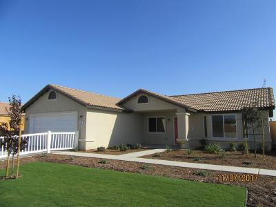 Delano Single Family Home For Sale: 112 Malibu Drive