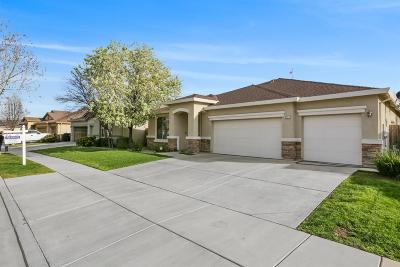 Visalia Single Family Home For Sale: 3717 E Seeger