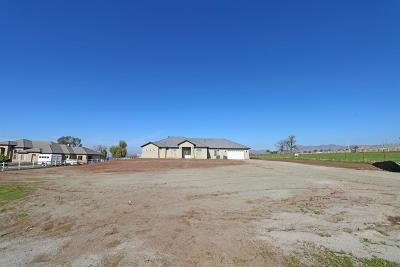 Porterville Single Family Home For Sale: 640 E Worth Avenue