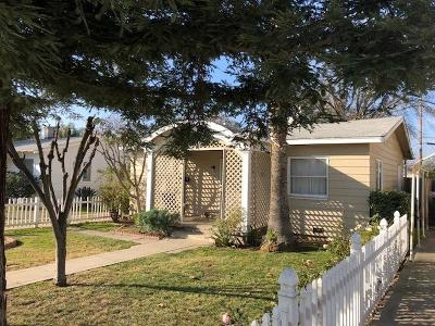 Visalia Single Family Home For Sale: 809 S Locust Street