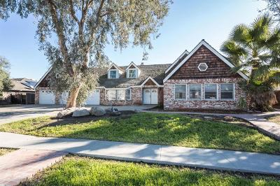 Hanford Single Family Home For Sale: 1145 Campus Drive