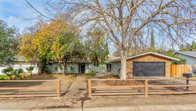 Visalia Single Family Home For Sale: 1800 W Harvard Avenue