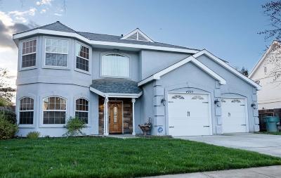 Visalia Single Family Home For Sale: 4223 S University Street