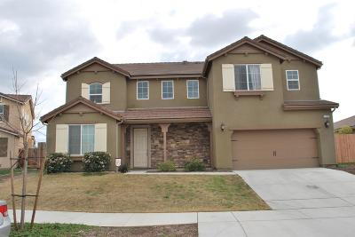 Visalia Single Family Home For Sale: 2515 W Connelly Avenue