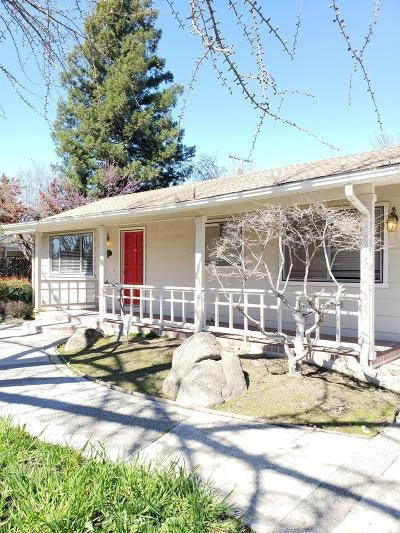 Visalia Single Family Home For Sale: 3040 W Royal Oaks Drive