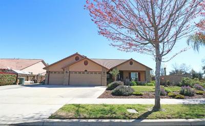 Visalia Single Family Home For Sale: 2200 N University Street