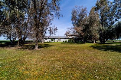 Pixley Single Family Home For Sale: 10654 Avenue 104