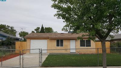 Tulare Single Family Home For Sale: 913 S T Street