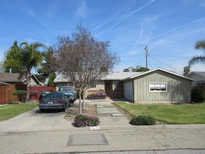 Visalia Single Family Home For Sale: 2428 W Princeton Avenue