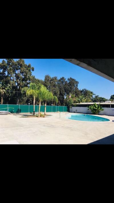 Visalia Single Family Home For Sale: 26814 S Mooney Boulevard #C-89