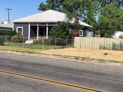 Visalia Single Family Home For Sale: 824 N Willis Street
