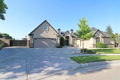 Tulare Single Family Home For Sale: 2506 La Paloma Drive