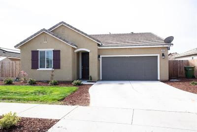 Lemoore Single Family Home For Sale: 485 Ruby Drive