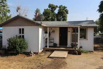 Tulare County Single Family Home For Sale: 35261 Pine Drive