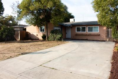 Visalia Single Family Home For Sale: 1427 N Elm Street