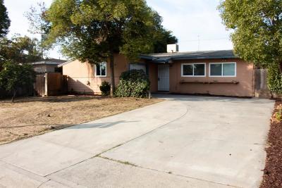 Visalia Single Family Home For Sale: 1427 N Elm Street