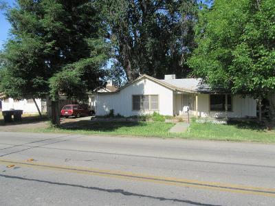 Visalia Multi Family Home For Sale: 143 S Linwood Street