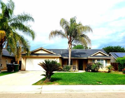 Visalia Single Family Home For Sale: 822 S Laguna Street