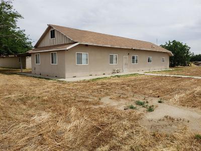 Pixley Single Family Home For Sale: 12200 Avenue 116