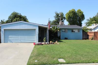 Visalia Single Family Home For Sale: 1004 E Kaweah Avenue