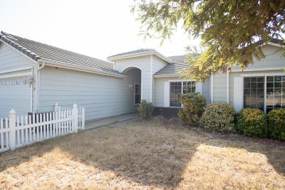 Porterville Single Family Home For Sale: 1675 W Pioneer