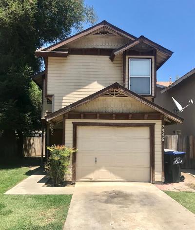 Visalia Single Family Home For Sale: 2346 W Packwood Drive