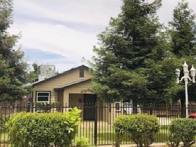 Visalia Single Family Home For Sale: 1014 E K Road