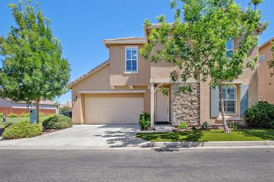 Hanford Single Family Home For Sale: 1794 Bella Oaks Way