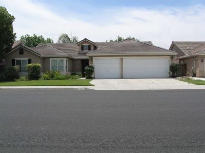 Hanford Single Family Home For Sale: 1071 W Pepper Drive