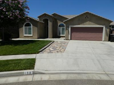 Tulare Single Family Home For Sale: 1982 Iacovetti Court