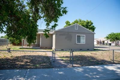 Hanford Single Family Home For Sale: 825 Lincoln Street