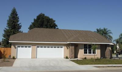 Visalia Single Family Home For Sale: 2105 S Columbus Court