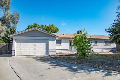 Lemoore Single Family Home For Sale: 970 Ivy Court