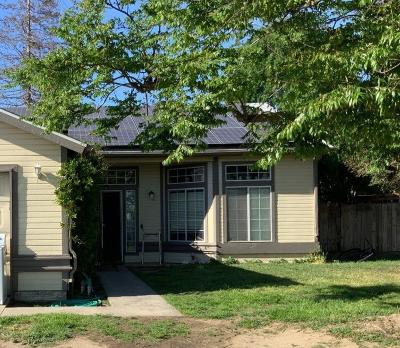 Tulare Single Family Home For Sale: 2000 W Pleasant Avenue