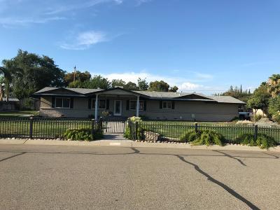 Visalia Single Family Home For Sale: 3132 W Iris Street