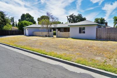 Hanford Single Family Home For Sale: 2050 Mulberry Drive